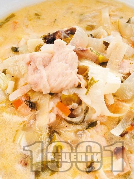 Пиле с чесън задушено в лозови листа - снимка на рецептата